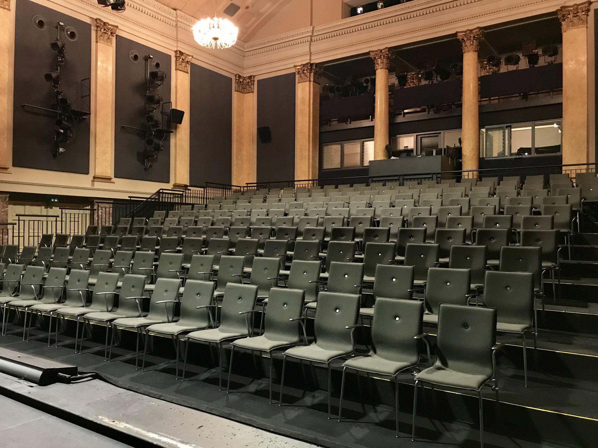 Theater Magdeburg Polsterreinigung